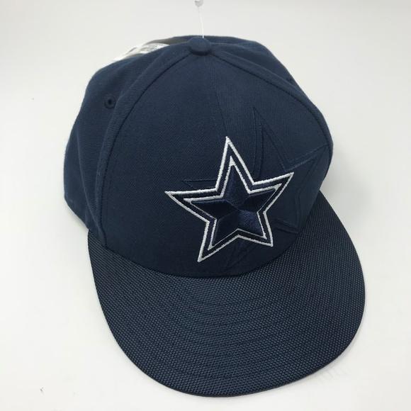 c2d9606911cc11 NEW New Era 59Fifty NFL Dallas Cowboys Fitted Hat.  M_5b70c6e534a4ef1a39e18fbd